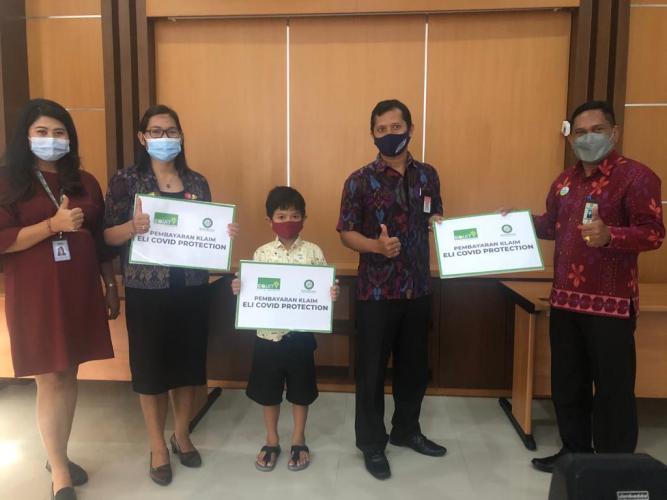 Equity Life Indonesia dan BPD Bali Bayarkan Klaim Manfaat Perlindungan COVID-19