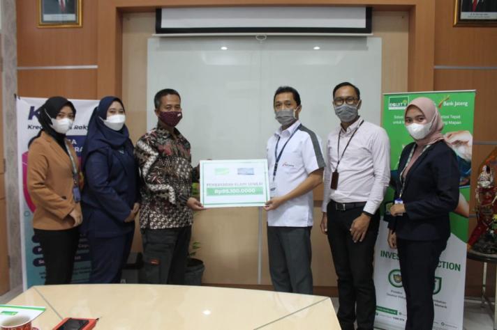 Equity Life Indonesia dan Bank Jateng Kembali Penuhi Komitmen dalam Pembayaran Klaim Tegal