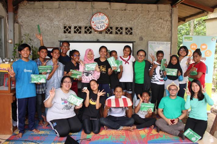 Literasi keuangan Equity Life Indonesia untuk anak Lanjut Sekolah di kebun kumaraOJK Inklusi keuangan