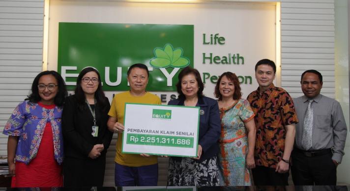 Equity Life Indonesia Bayarkan Klaim Senilai Rp 2.25 M Kepada Nasabah