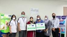 PENUHI KOMITMEN, EQUITY LIFE INDONESIA DAN BANK JATENG BAYARKAN KLAIM 2 NASABAH DENGAN TOTAL RP39.600.000